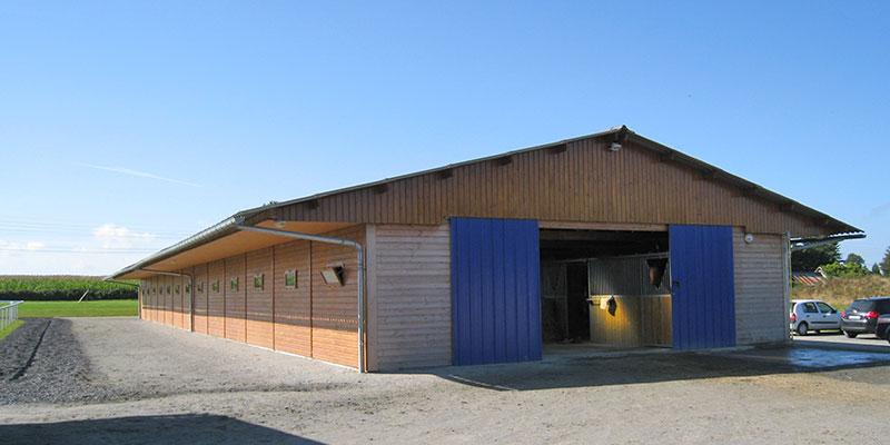 Box à chevaux bardage bois