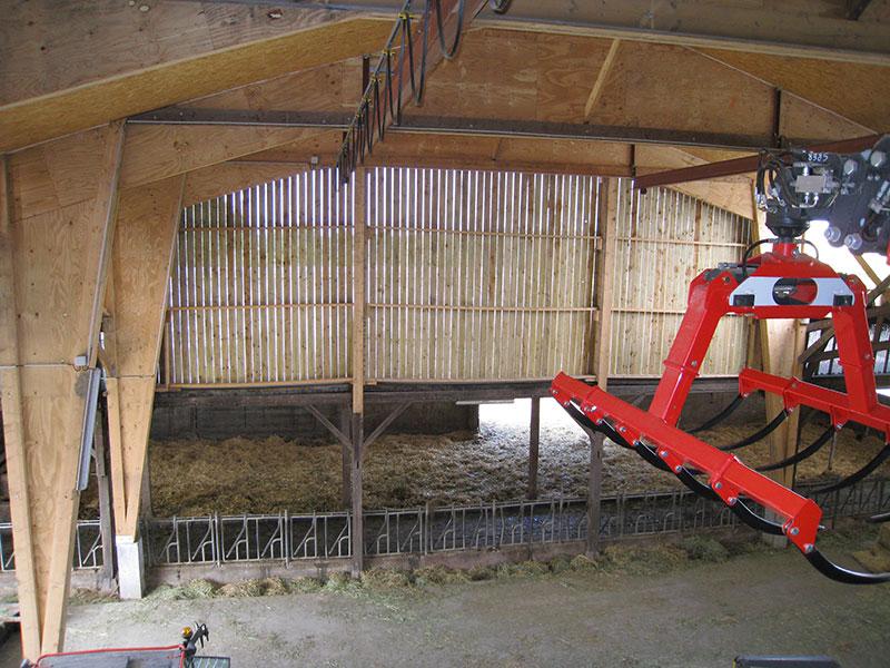 Hangar grenier pour abriter les bovins