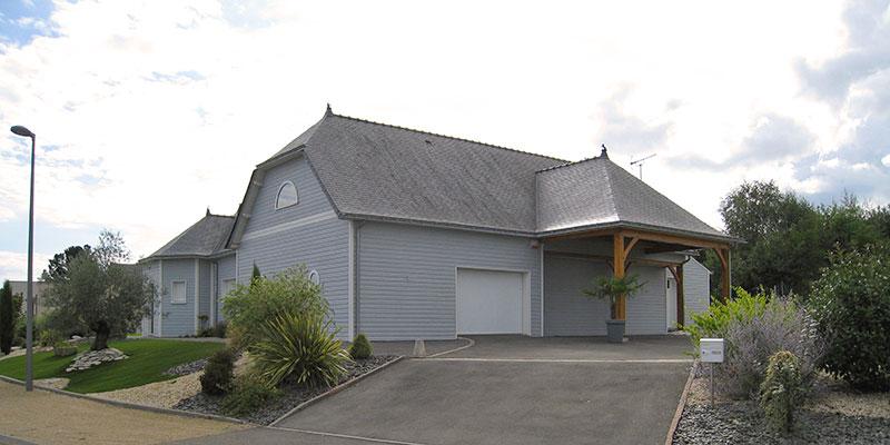 maison bois bardage bleu