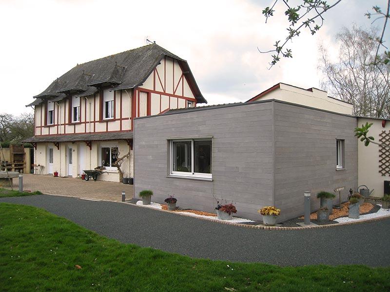 Extension bois toit terrasse maison ancienne