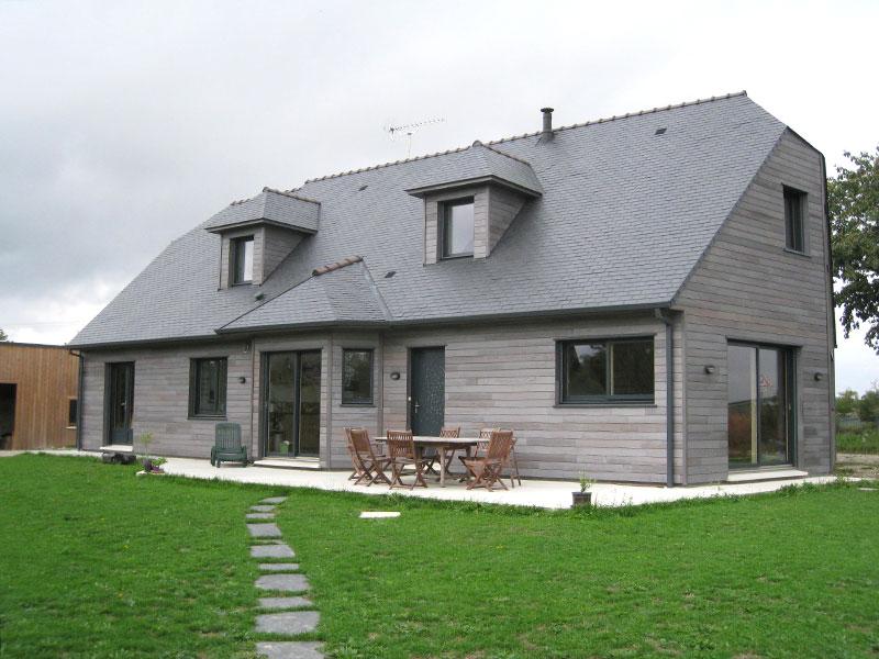 grande maison ossature bois grisée