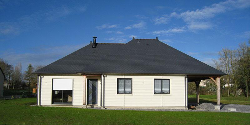 maison bois bardage blanc