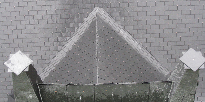 detail rénovation de toiture ardoise