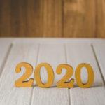 2020-nombre-or-bois-bonne-annee-concept-nature_35355-6206