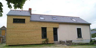 Rénovation maison ancienne mixte enduit et bois
